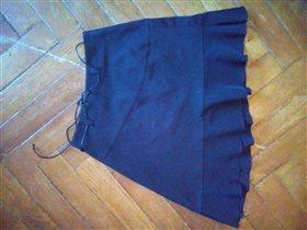 Юбка черная с косым краем 250 руб 7-9 лет