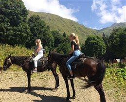 Летняя конная прогулка в горах