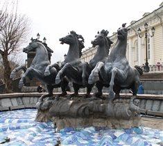 Мчатся кони...