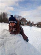 Русская зима, русская изба и трех летний Я.....