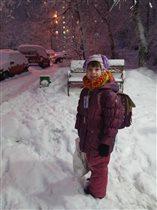 детская радость - после супер-снегопада в Москве