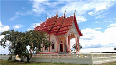 Буддийский малолюдный храм