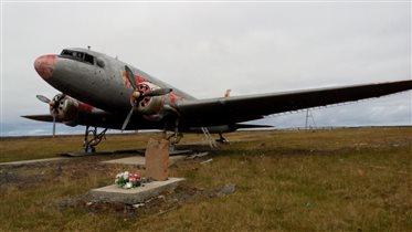 Ли-2 на заслуженном отдыхе (о. Диксон)
