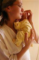 Маленькое солнышко в маминых руках