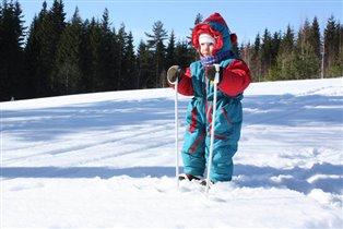 Юной лыжнице ровно 2 годика!
