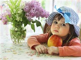 Разве сравнишь яблоко с конфетой?-Давай сравню.