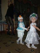 и танцуем, и поем :)