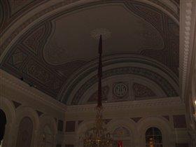 Потолок центрального зрительского фойе