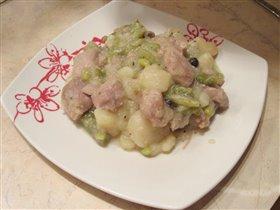 Бедро индейки с картошкой и фасолью