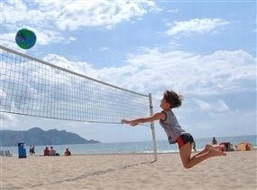 летящий волейбол!