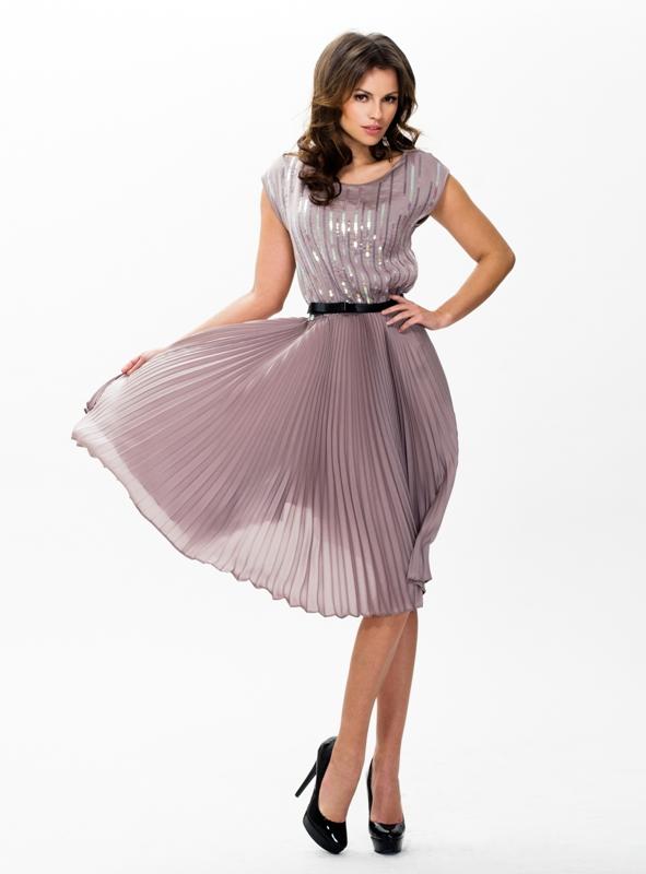 ae235541330 Пристрою в сб на туле платье из закупки Худыша р-р 42-44 красивое