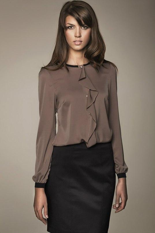 Пристрою красивую блузка р.38(44), я со своим 42 утонула  ( Цена 800р. с %.  (закупка Красивые блузки, орг Рузанна) очень приятный и шекловистый материал 4492b8b424a
