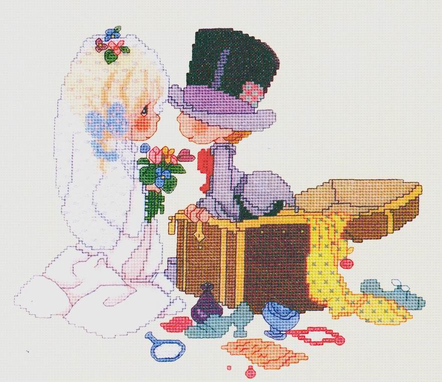 Жених и невеста с сундуком. Свадебные