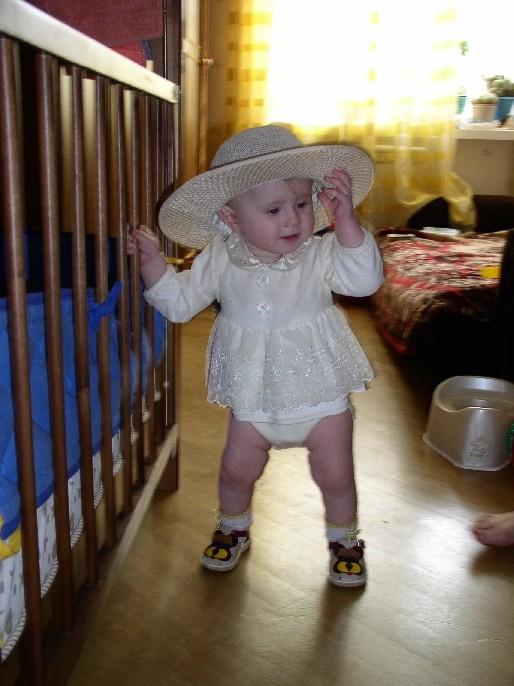 Ну очень юная, но какая фотомодель!. Юная фотомодель