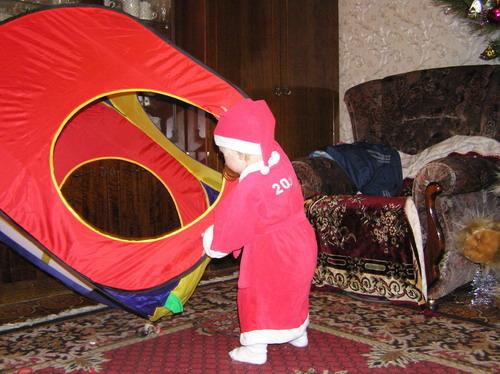 НОВЫЙ 2005 готовит себе дом. Карнавальные костюмы