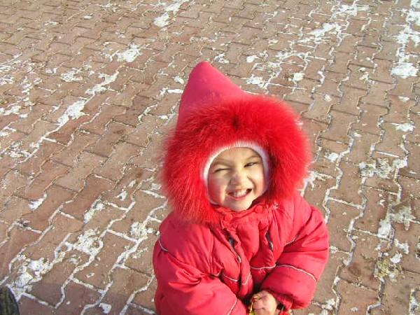 Катеринушка на прогулке. Не боимся мы мороза!