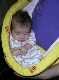Спят усталые Надюшки, в слинге спят.... Здравствуй, мир!
