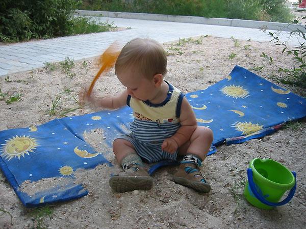 Я лопаточкой машу, и построить дом хочу!. Я построил на песке...