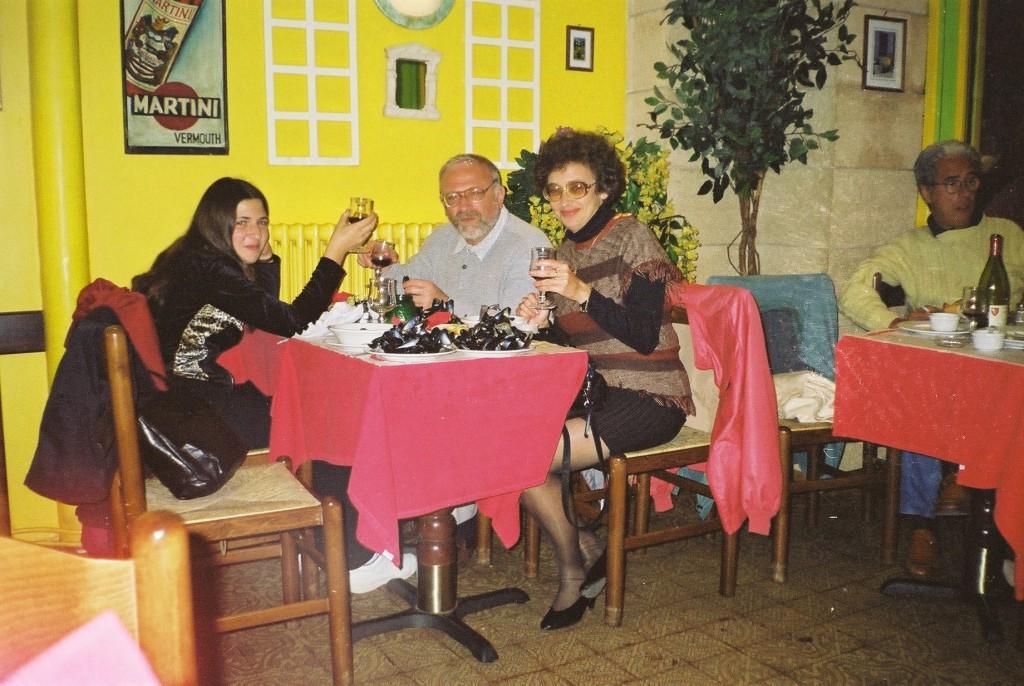 Поедание устриц в Латинском квартале. Gurman