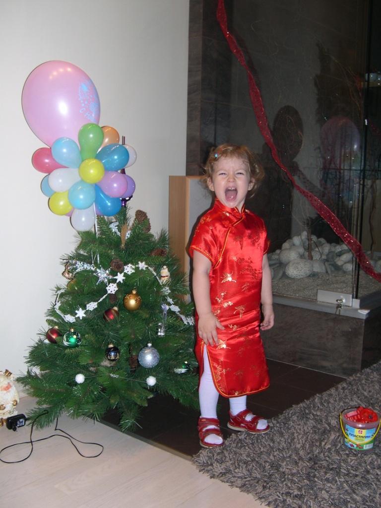 Новый Год 2006. В лесу родилась елочка