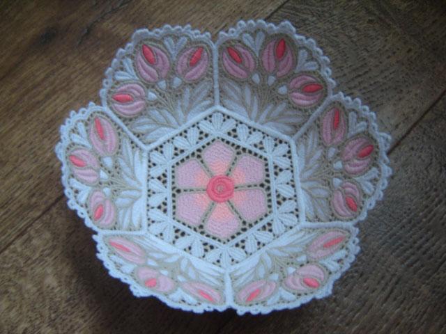 Вазочка для сладкого:). Вышивальный конкурс 'Я цветочки вышивала...'