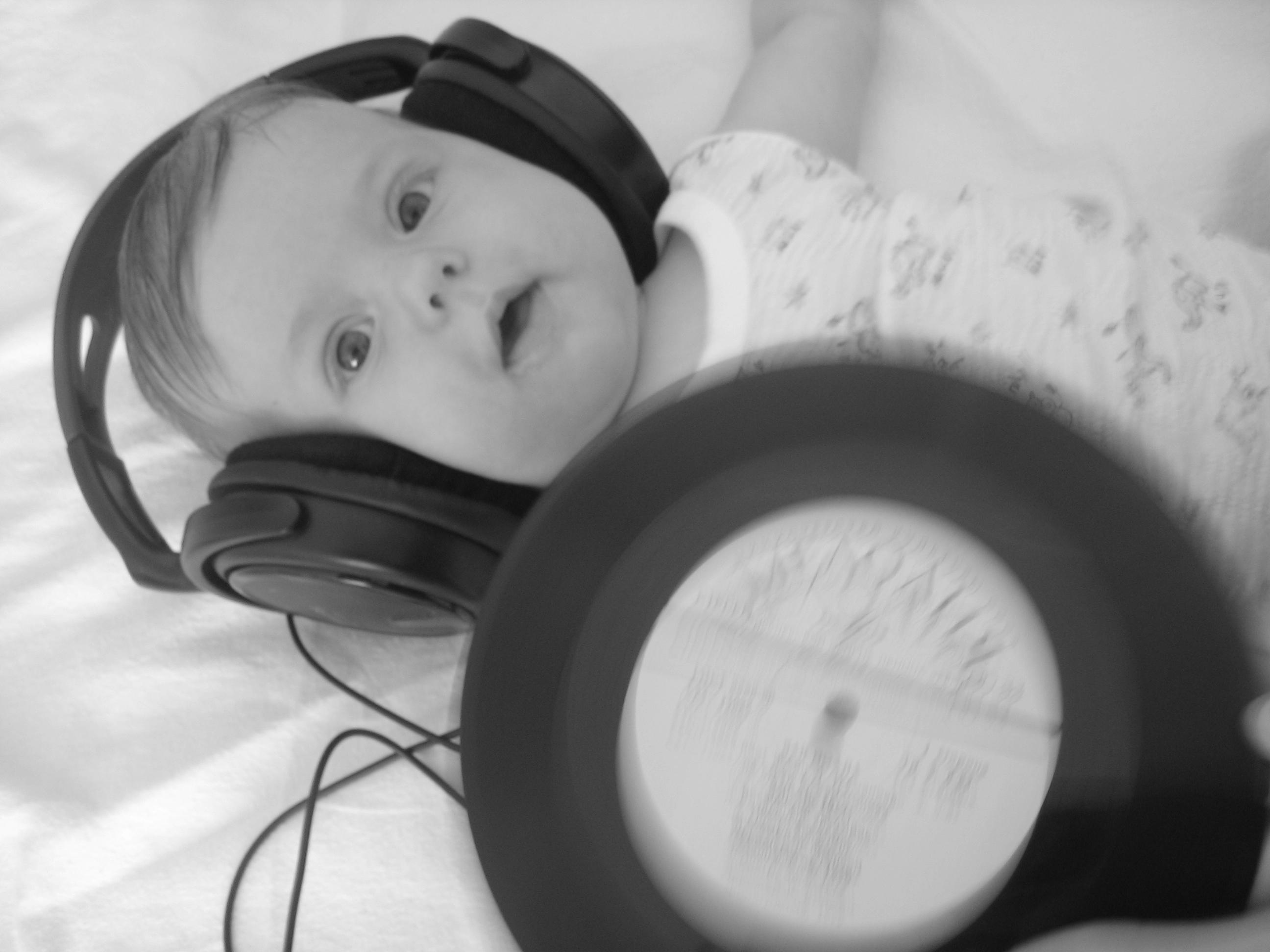 DJ Ксю. Дети и музыка