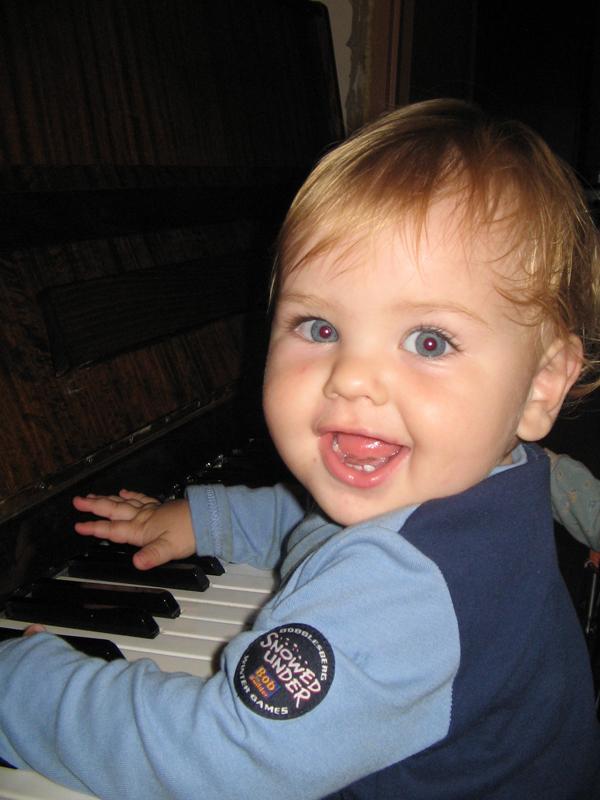 Моцарт 'отдыхает'. Дети и музыка