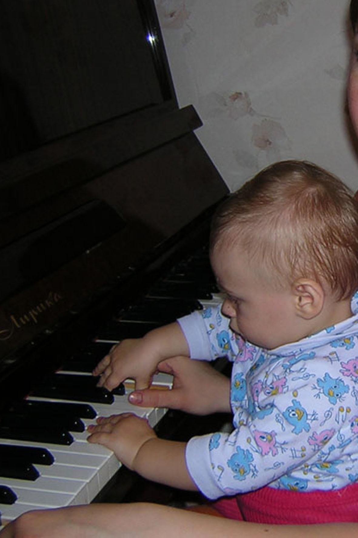 юный Моцарт. Дети и музыка