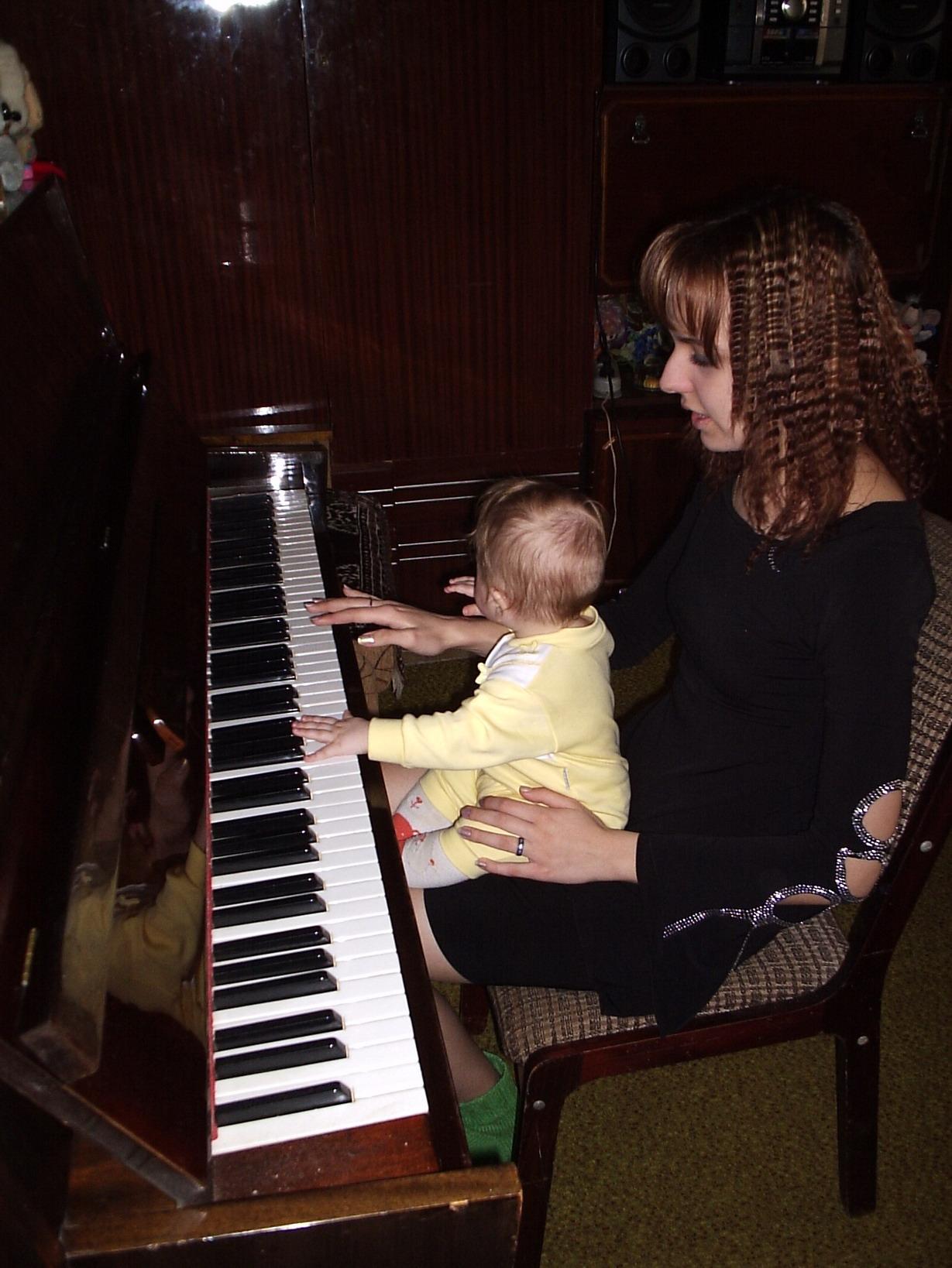 ...жили у бабуси два веселых гуся.... Дети и музыка