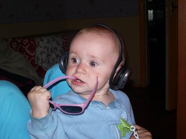 Папа, это не детская песенка!!!!!. Дети и музыка