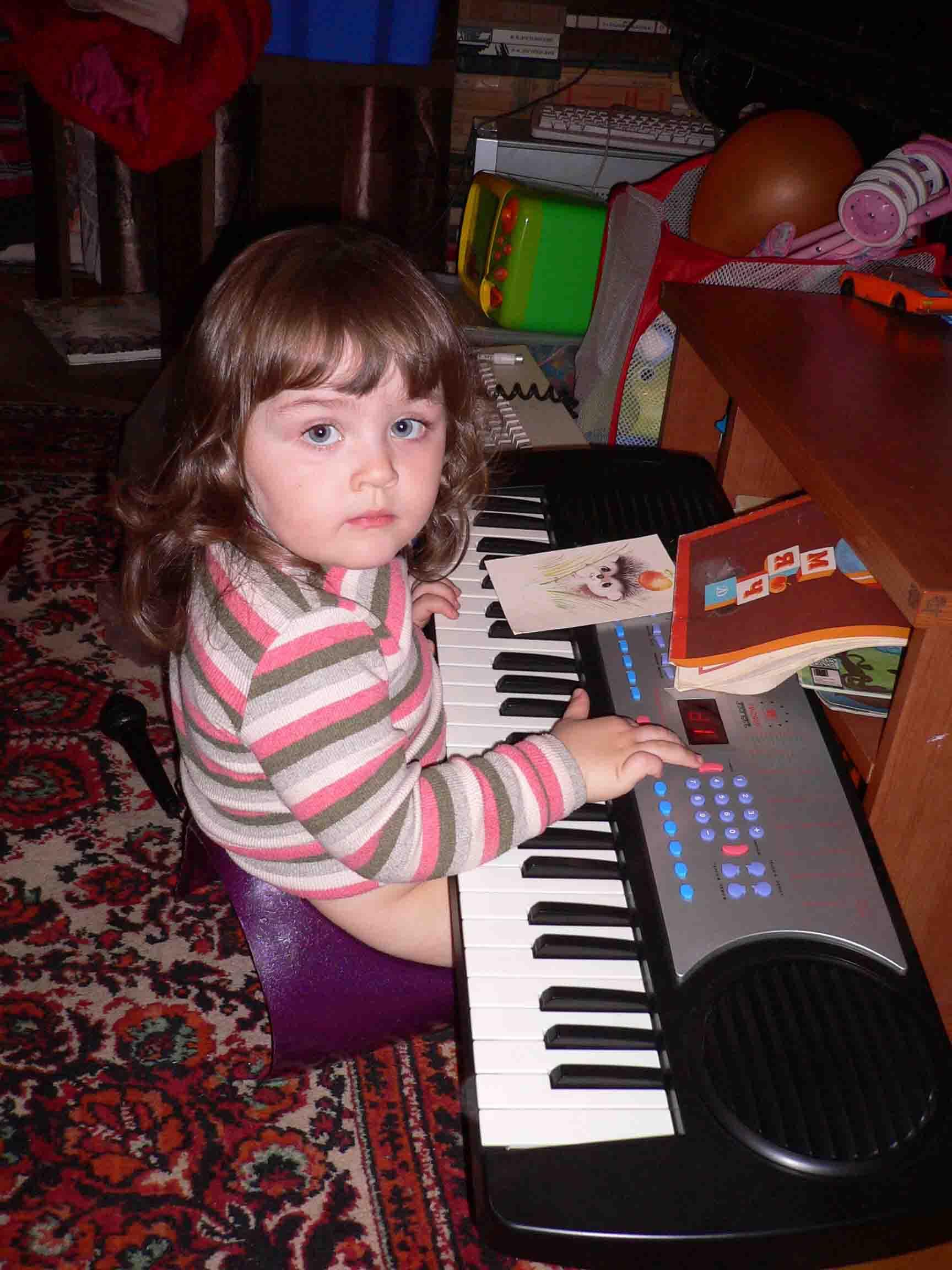пианистка. Дети и музыка