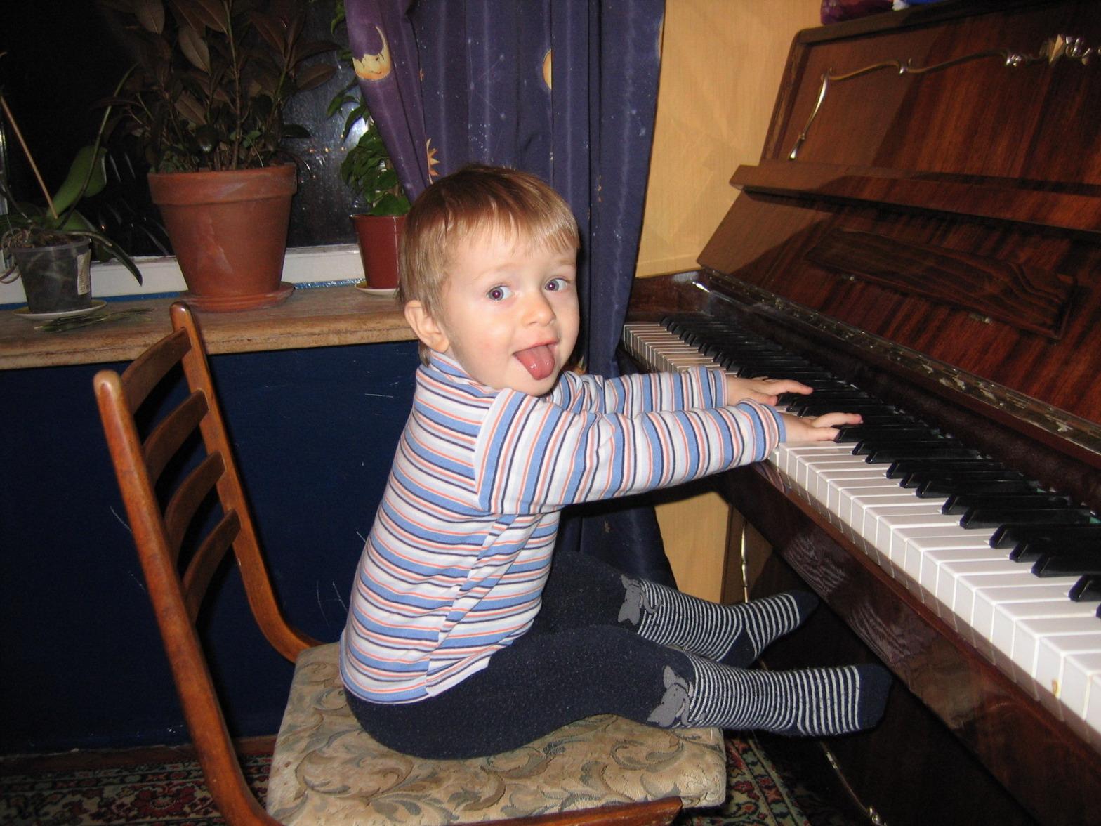 А теперь на бис.... Дети и музыка