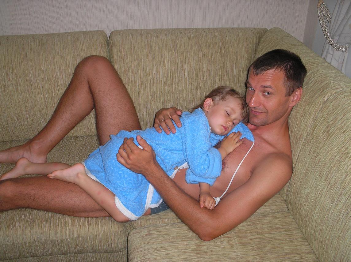 Самая мягкая подушка- это мой папа.. Слова - не единственный способ общения