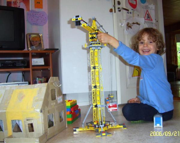'Юный строитель'.. Что наша жизнь? Игра!