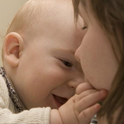 Кого же еще любить, как не маму?. Слова - не единственный способ общения