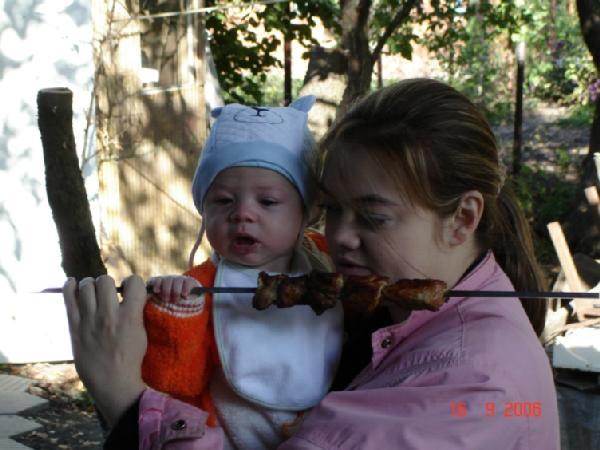 Мама, я тоже шашлык буду кушать!!!. Слова - не единственный способ общения