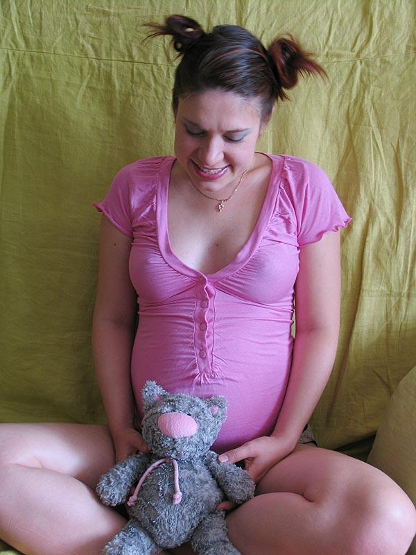 Ждем Анжелинку. Счастлива, потому что беременна