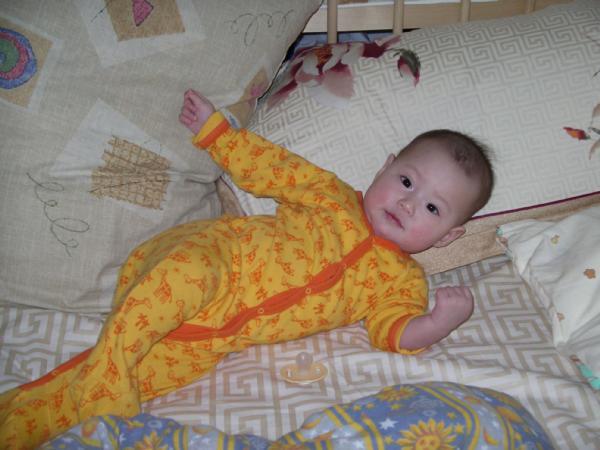 Прилечь и поспать, а может и нет?????. Мой малыш перед сном