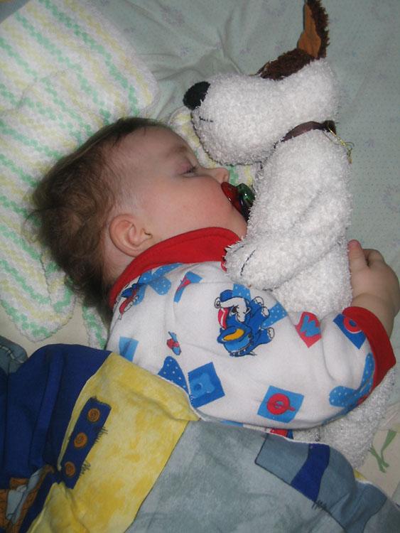 Так спокойнее :). Мой малыш перед сном