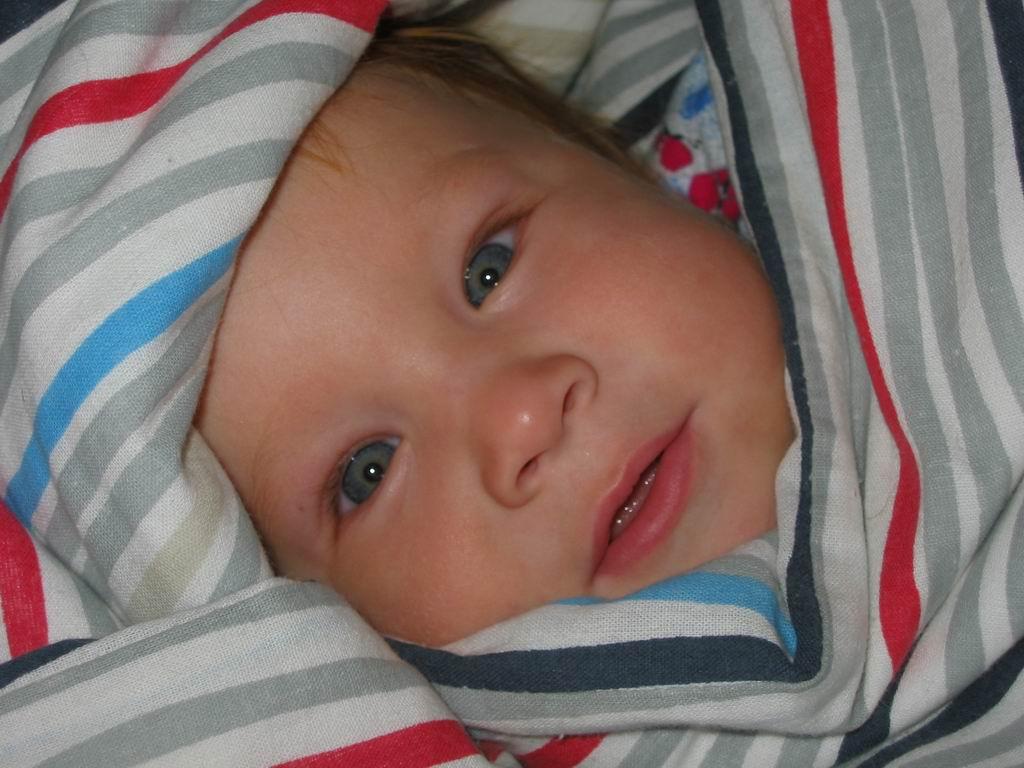 А я уже под одеялом!!!. Мой малыш перед сном