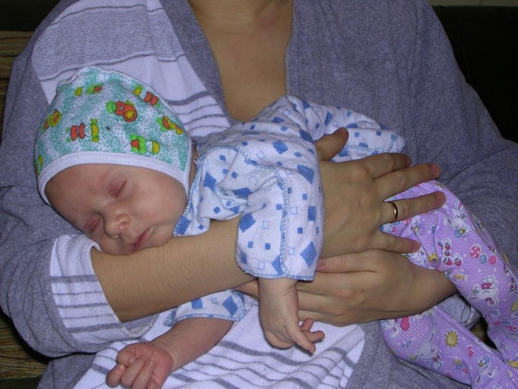 на руках у Феи сноведений я лечу в свою кроватку. Мой малыш перед сном