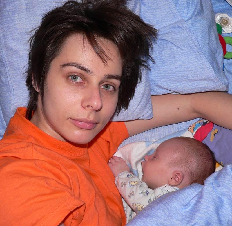 Я то сплю, мамочка, а ты почему не спишь?.