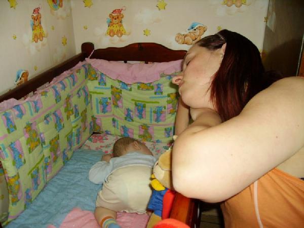 'Мамочка, я сплю...'. Мамочка, я сплю...