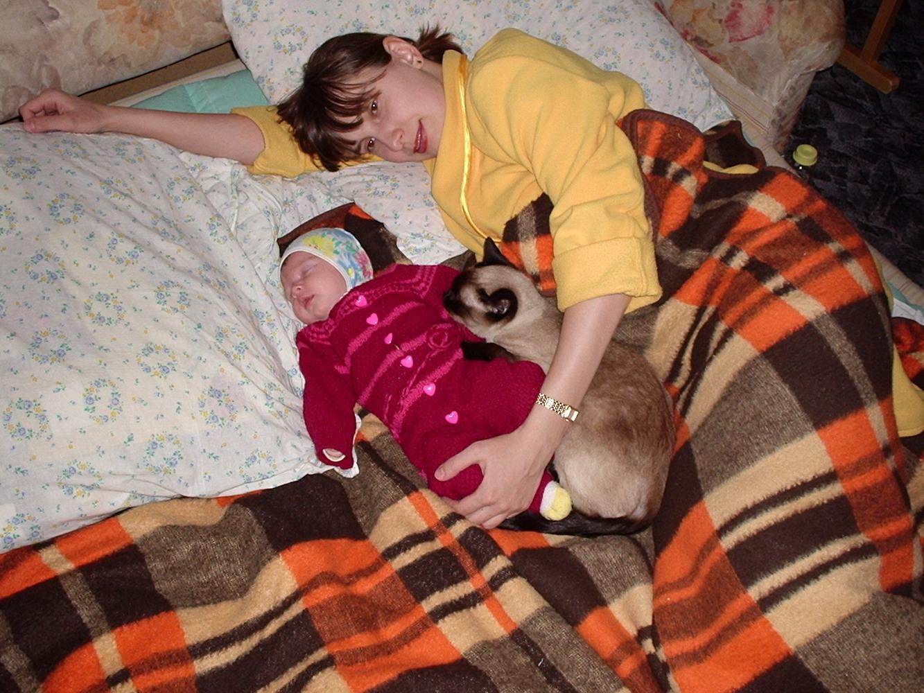 Мамуля и Викуля. Мамочка, я сплю...