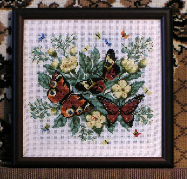 Бабочки 'Павлиний Глаз'. Вышивальный конкурс 'Я цветочки вышивала...'