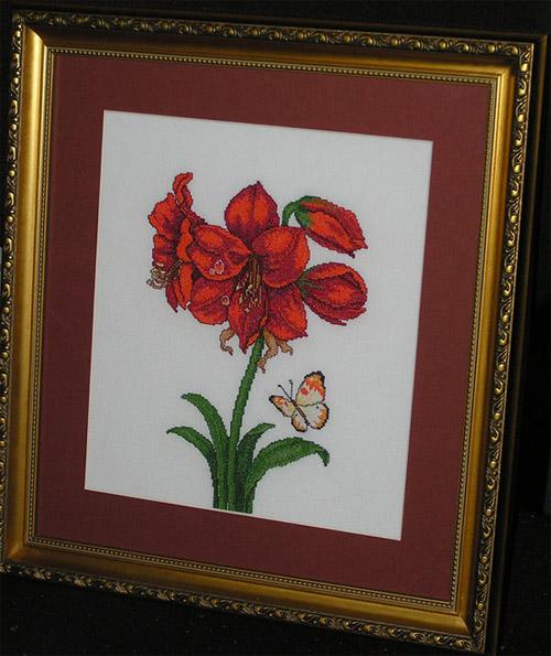 Alluring Amaryllis. Вышивальный конкурс 'Я цветочки вышивала...'