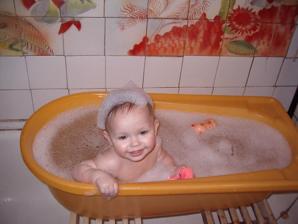 Да здравствует пена душистая...!!!. Веселое купание в нежной пенке