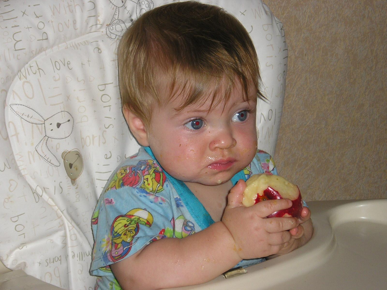 яблочная диета. Крошка с ложкой