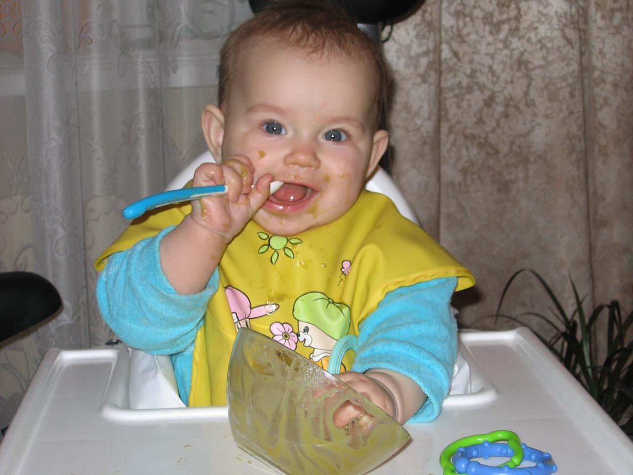 Вкусна ложка к обеду! :). Крошка с ложкой