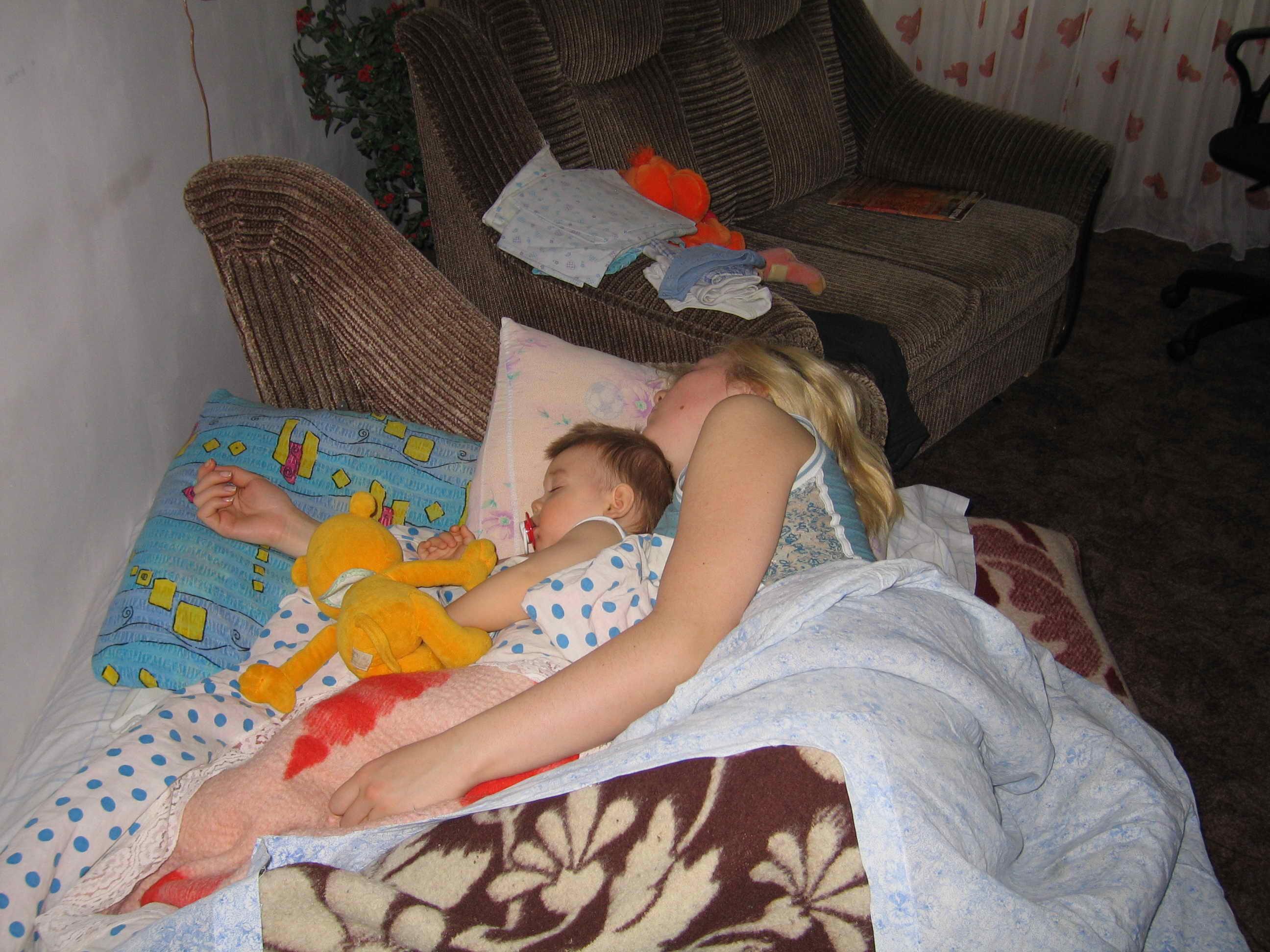 Частные фото мама с сыном, Регулярный инцент матери и сына (28 фото) 22 фотография